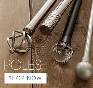 Find the ideal rod set to match your curtains: stylish round or square finials are available.